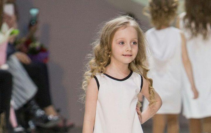 Четырехлетняя жительница Барановичей участвовала в показах на Неделе моды в Беларуси