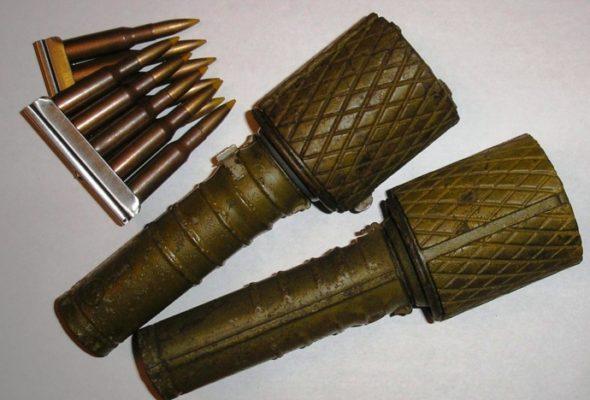 У жителя Барановичей изъяли самодельную осколочную гранату, порох и патроны