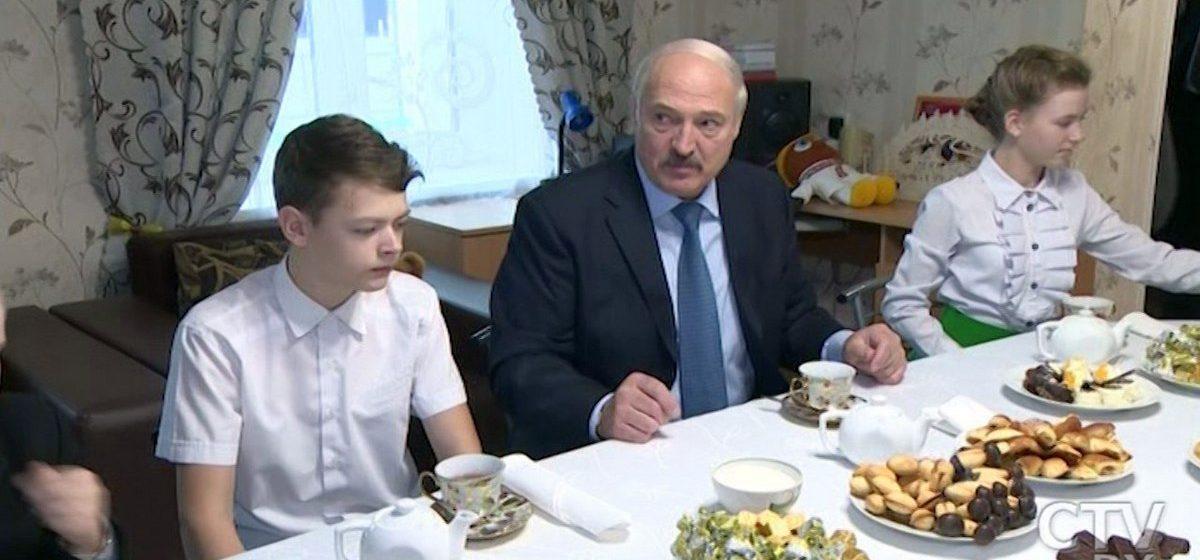 Лукашенко о своей диете: Три яйца утром, в обед — мясо, вечером — рыба