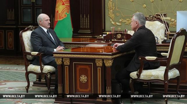 Лукашенко: требования по занятости и росту зарплаты — это не популизм