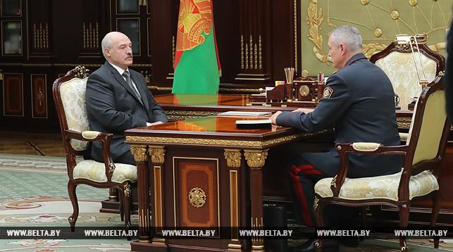 Лукашенко потребовал разграничить ответственность поставщиков и потребителей наркотиков. «Где-то мы допустили просчеты»
