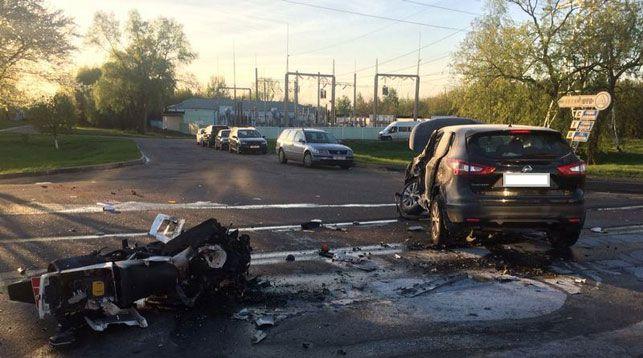 Стали известны подробности аварии, в которой инспектор ГАИ разбился на мотоцикле, догоняя бесправника