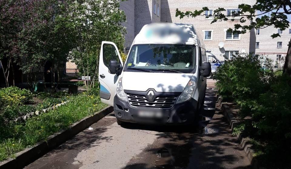 В Барановичах микроавтобус сбил пешехода