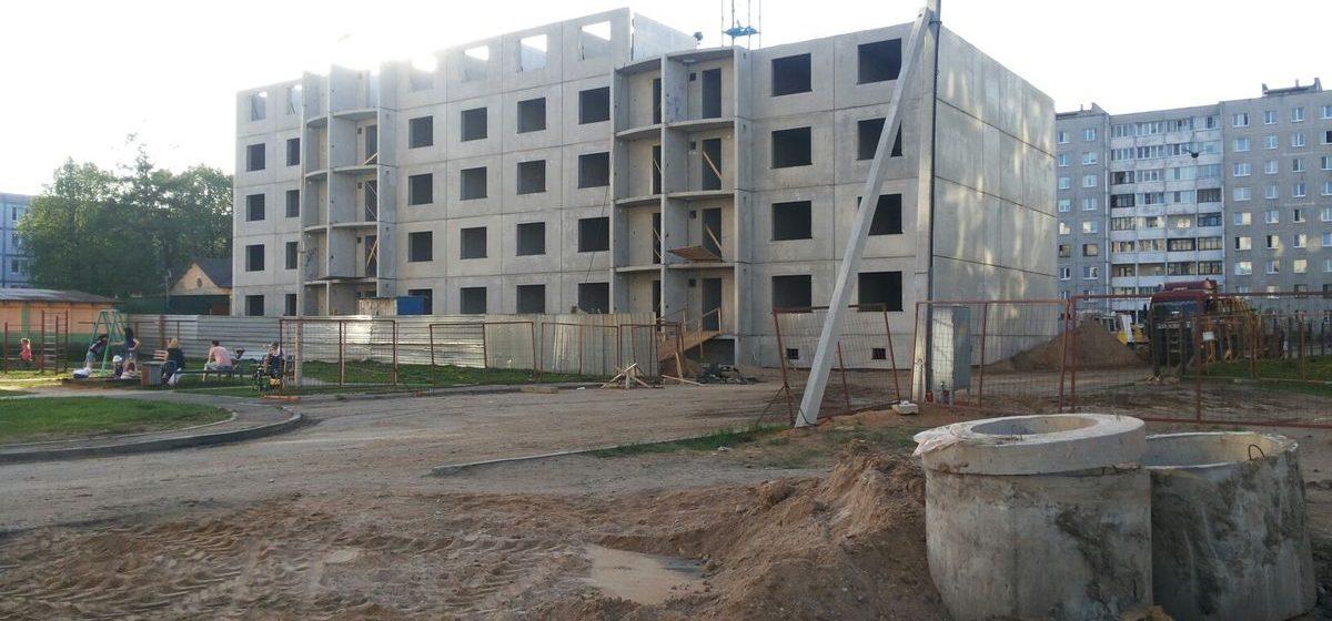 Жители Военного городка в Барановичах: «На стройке творится настоящий хаос»