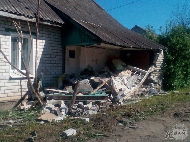 В Молодечненском районе легковушка влетела в жилой дом — погиб 19-летний водитель