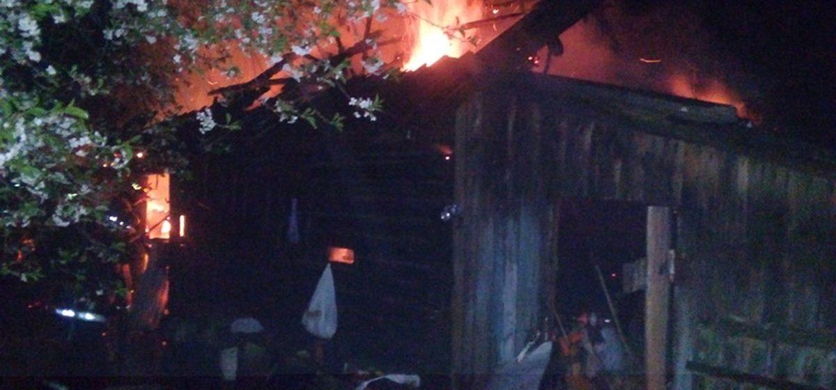 В Барановичском районе горела хозяйственная постройка. Возможен поджог