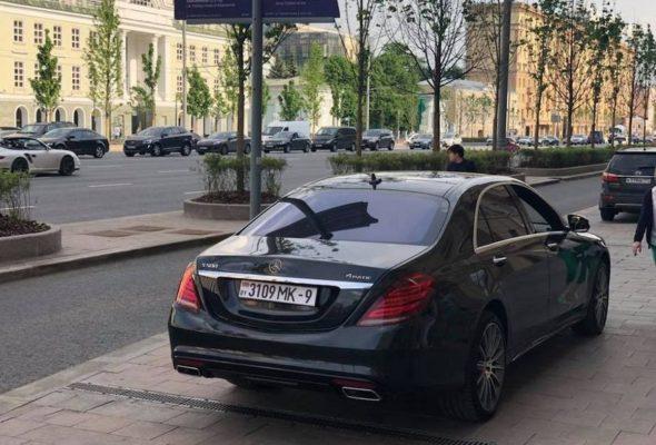 В России сфотографировали машину с белорусскими номерами с несуществующим девятым регионом. Что это?