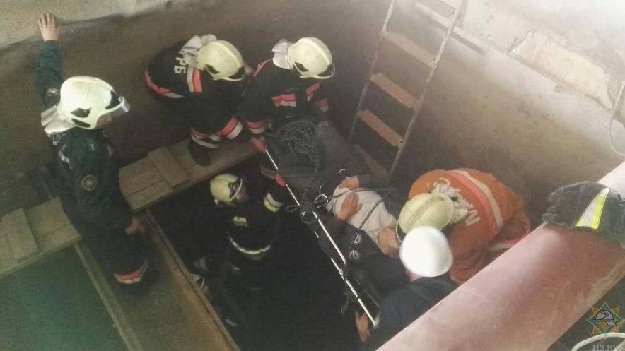 На новополоцком заводе «Полимир» рабочий упал в фильтровальный бункер