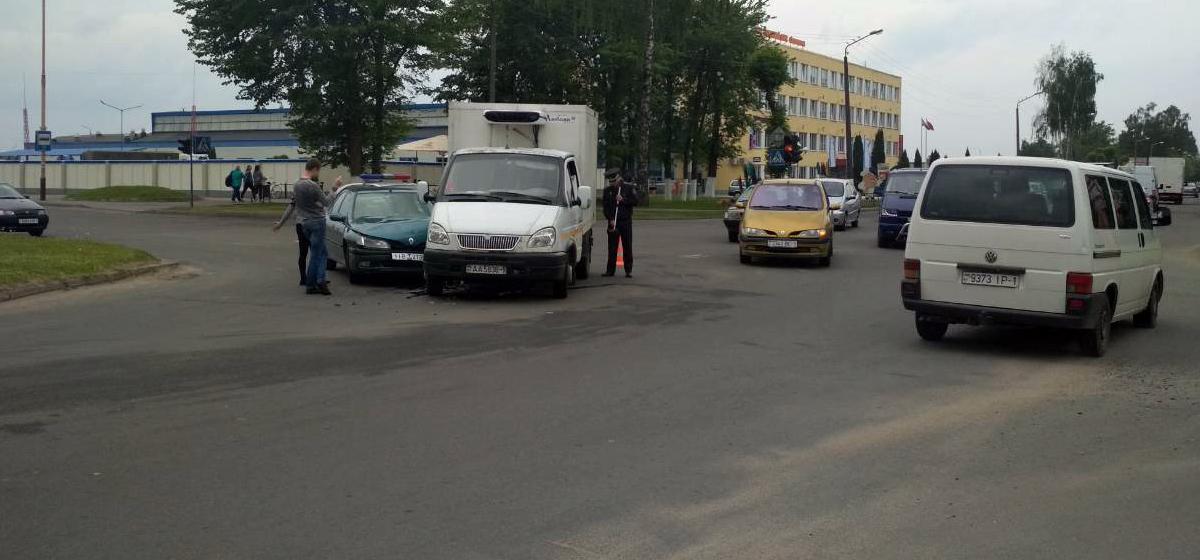 В Барановичах на одном перекрестке в течение нескольких часов произошло три ДТП