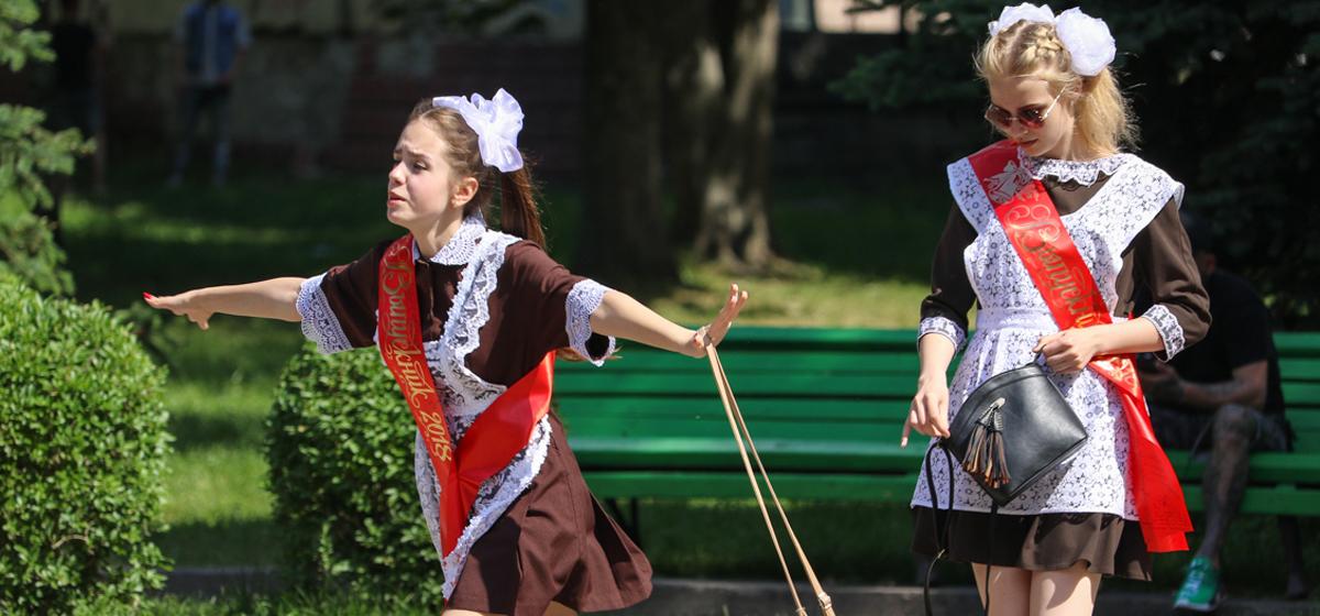 Фоторепортаж. Выпускники на улицах города Барановичи