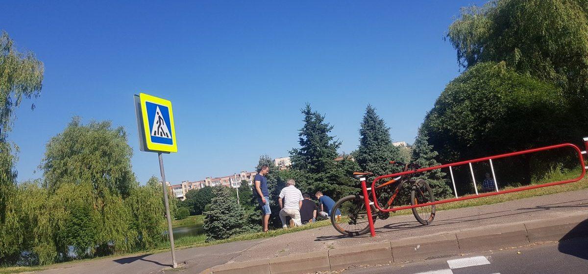 В Барановичах на пешеходном переходе 75-летний водитель сбил мужчину с велосипедом
