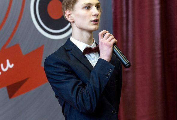 Барановичский школьник составил словарь модных слов в Twitter и победил на международной конференции