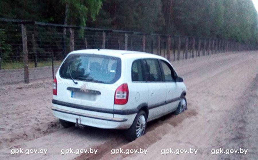 В районе Беловежской пущи пьяный поляк на машине прорвался через польско-белорусскую границу