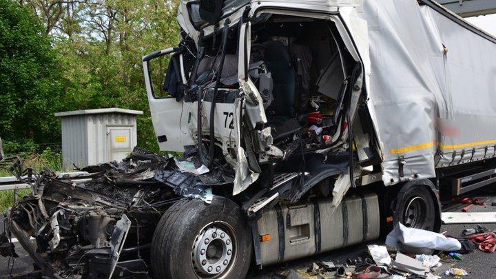 В Германии столкнулись четыре фуры — погиб дальнобойщик из Беларуси