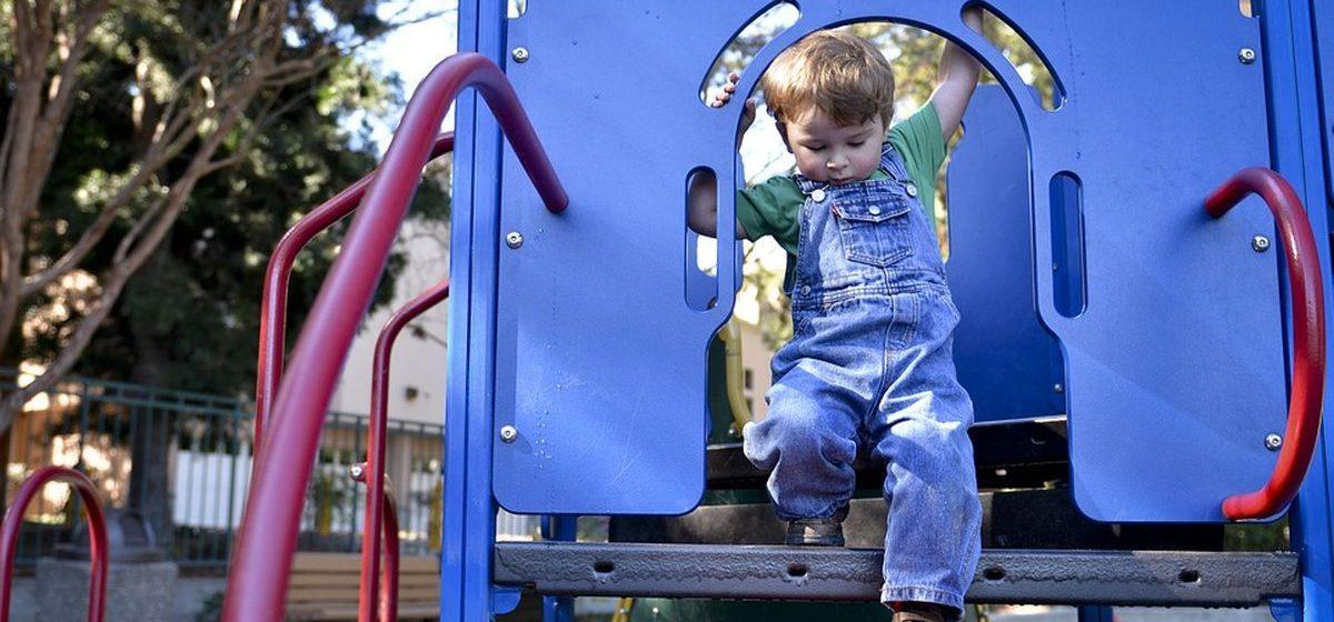 В Барановичах установят новое оборудование на трех детских площадках