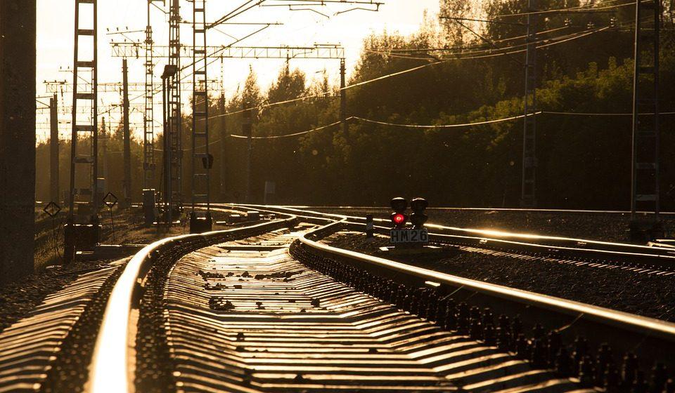 В Барановичах вынесли приговор железнодорожнику за гибель 18-летнего парня на переезде