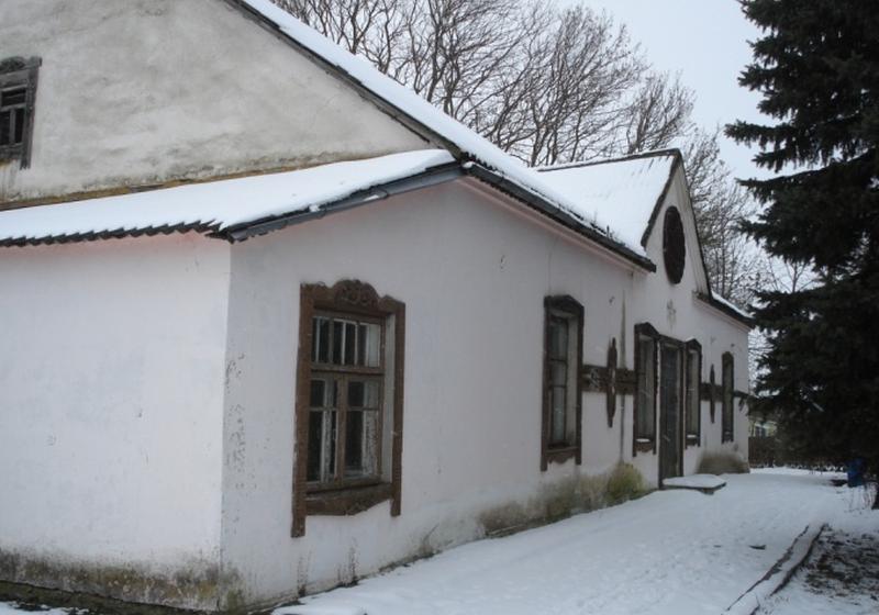 В Барановичском районе пустующий ДК выставили на продажу по цене дома с удобствами