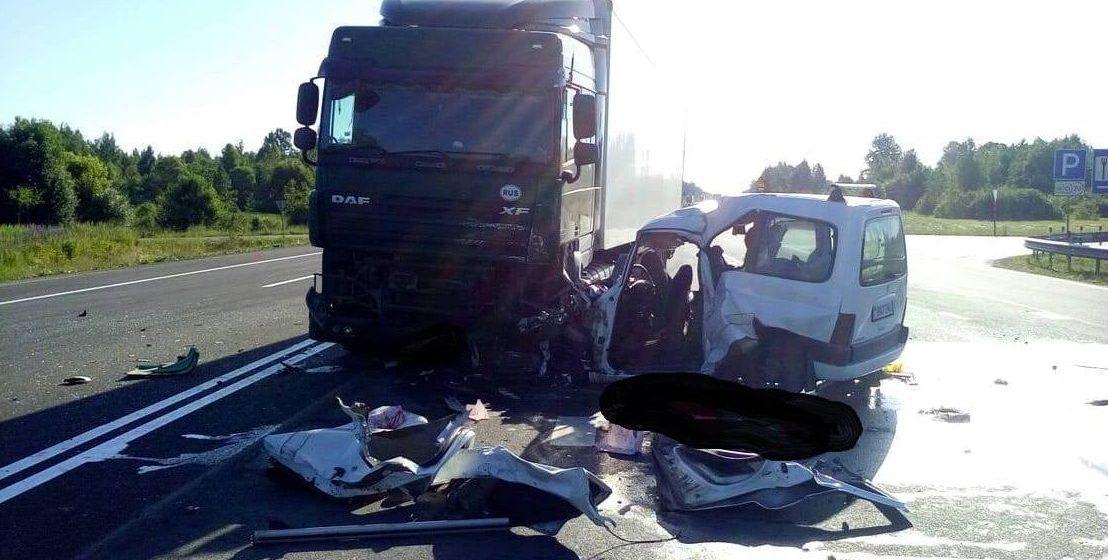 На Витебщине в лобовом столкновении с фурой погиб водитель «Пежо»