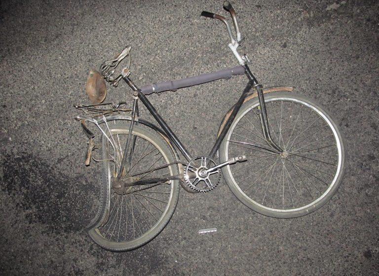 В Крупском районе автомобиль насмерть сбил велосипедиста