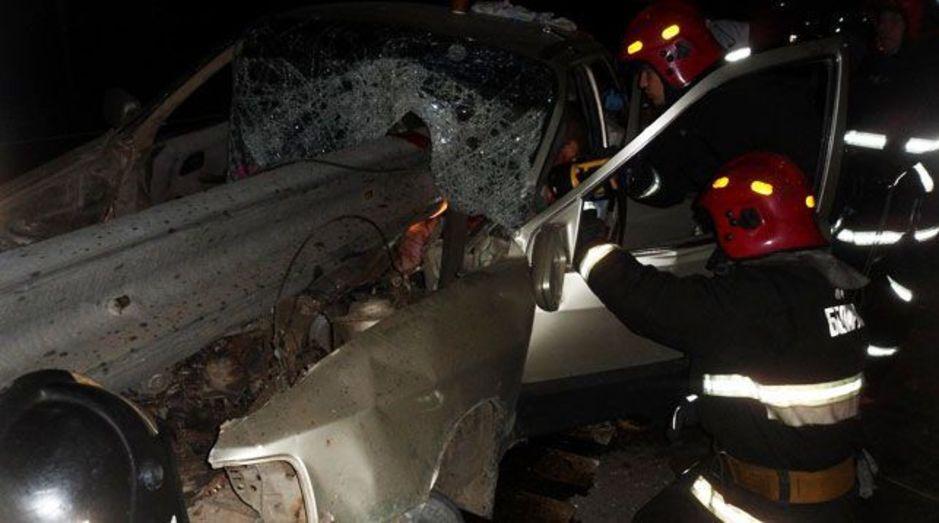 В Жлобинском районе «Форд» пробило отбойником (фото, видео)