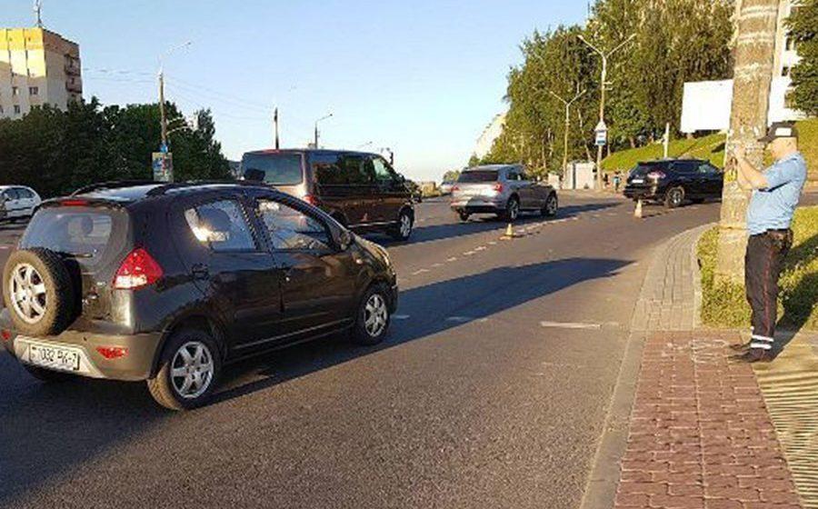 Пьяный 75-летний бесправник сбил на пешеходном переходе Минска женщину с трехлетним ребенком