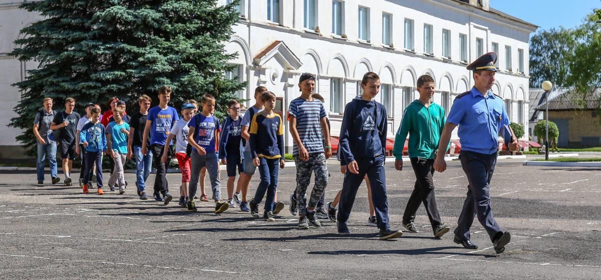 В Барановичах в в/ч 7404 открылся лагерь для подростков