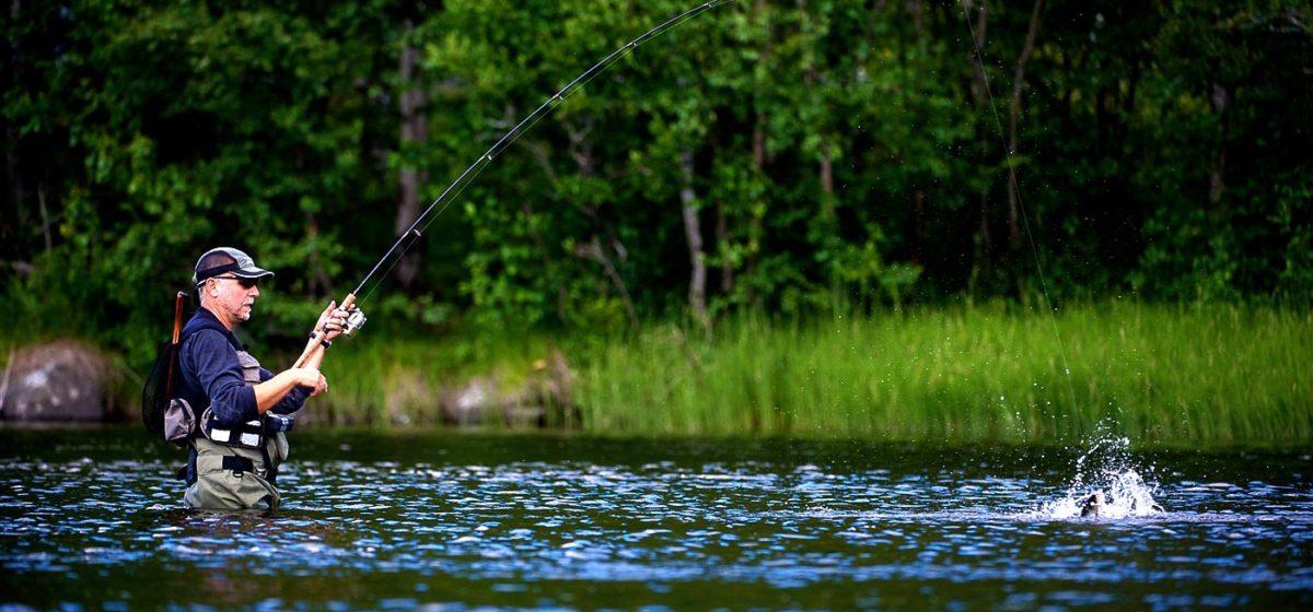 Барановичские рыболовы: «Заплатил 40 рублей, а попасть к водоему проблематично»