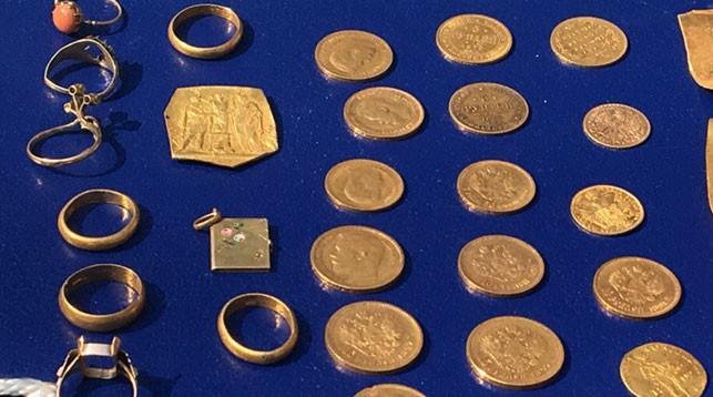 Стало известно, во сколько оценили найденный в Гродно клад, и сколько достанется  тем, кто его нашел