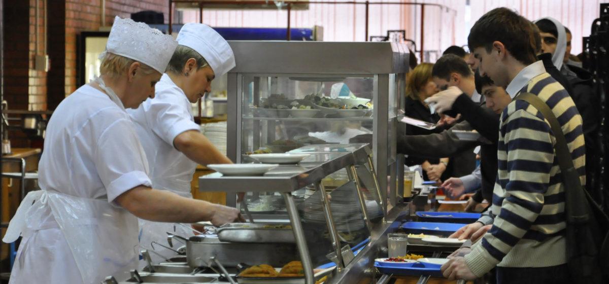 Госконтроль: В столовых БарГУ мясо в порциях заменяли дорогими овощами