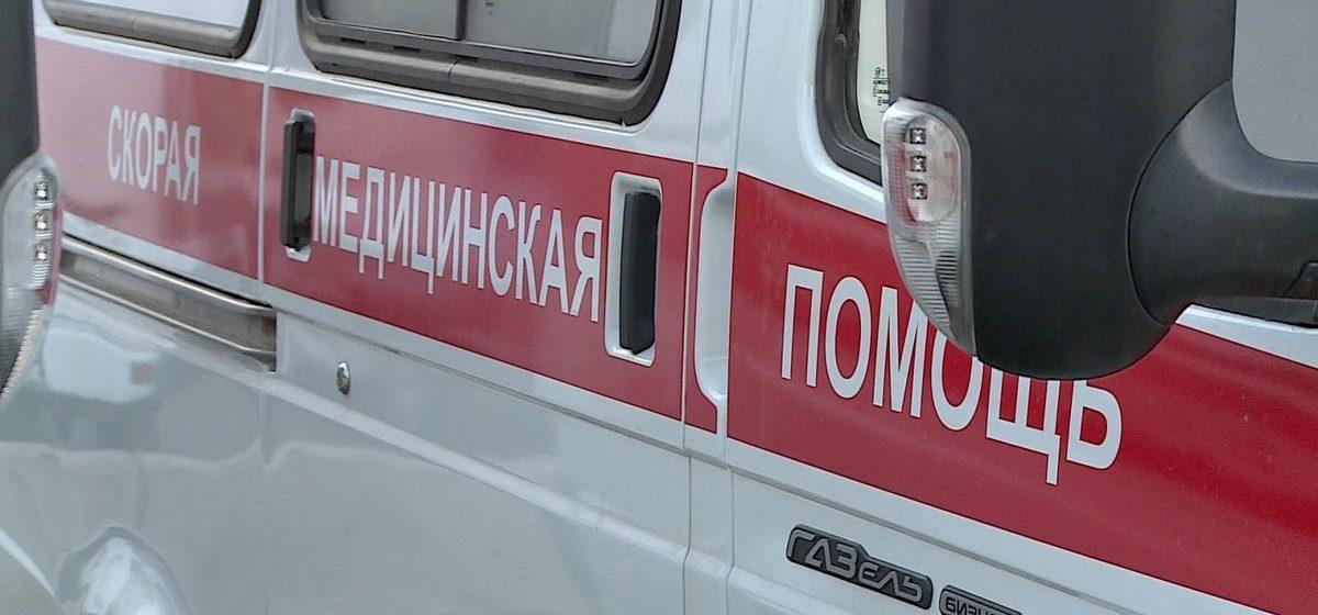 В Витебске с балкона четвертого этажа упал 37-летний мужчина. Там его закрыла бабушка