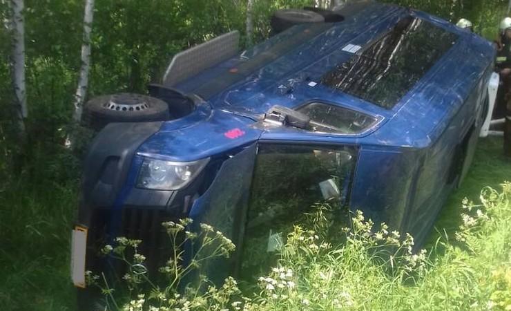 В Могилевском районе маршрутка вылетела в кювет и перевернулась — пострадали четыре человека