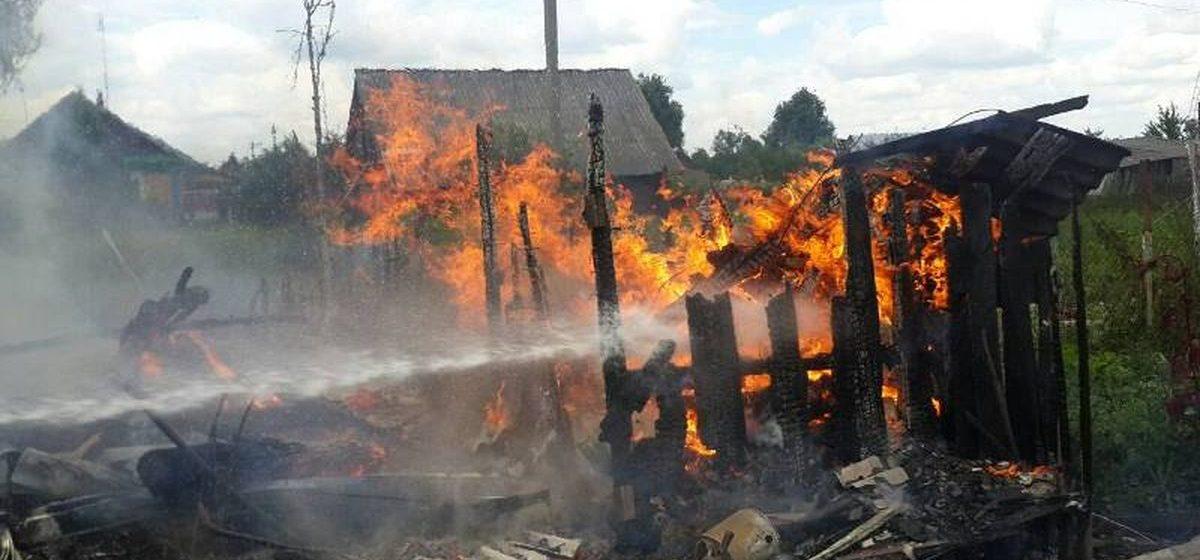 «Такого пожара у нас никогда не было, полдеревни могло сгореть» – в Барановичском районе возгорание сарая чуть не обернулось трагедией
