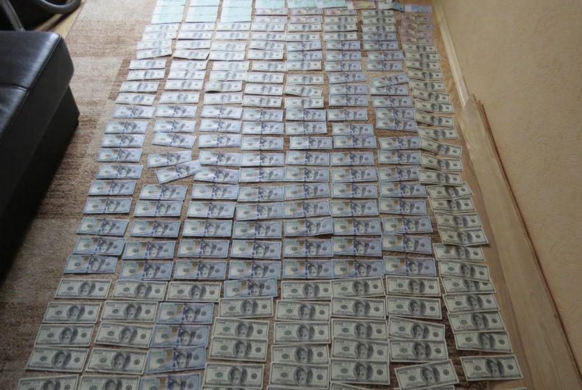 Трое минчан за семь лет похитили со счетов иностранцев более 400 тысяч долларов