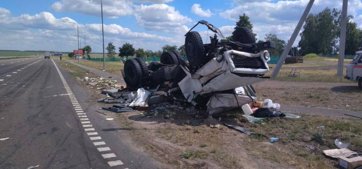 В Жлобинском районе фура протаранила грузовик