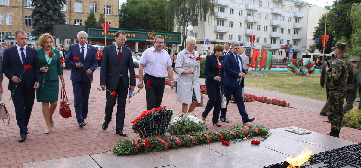 В Барановичах почтили память жертв Великой Отечественной войны