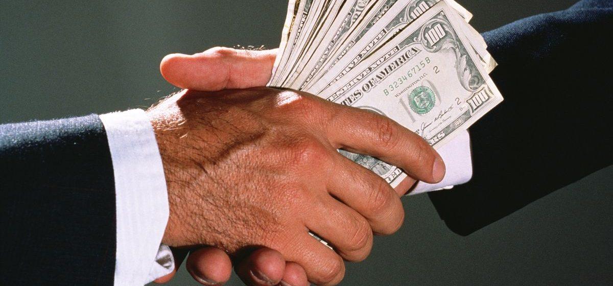 КГБ: стоимость лекарств и оборудования из-за коррупции иногда завышалась на 100%