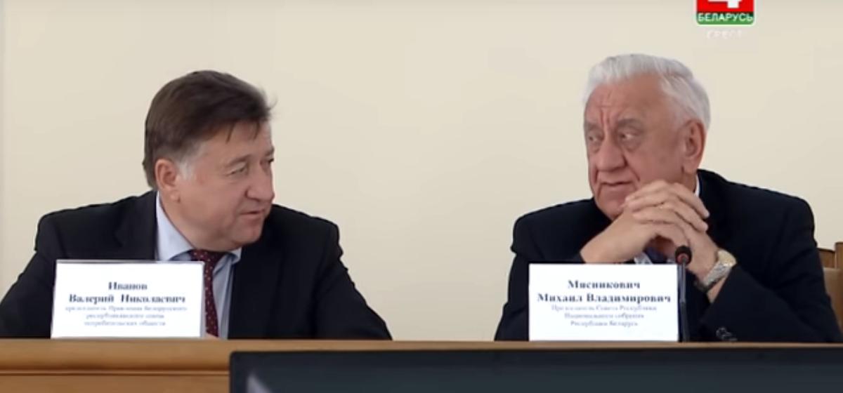 Вместо Лукашенко Беларусь в Париже представит Михаил Мясникович