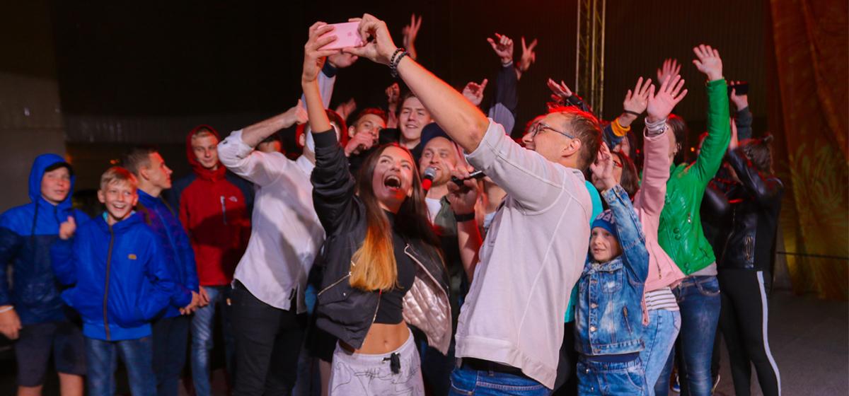 Фоторепортаж с концерта ко Дню молодежи в Барановичах