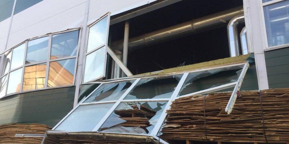 В Бобруйске в одном из цехов ОАО «Фандок» произошел взрыв, есть пострадавшие (фото, видео)