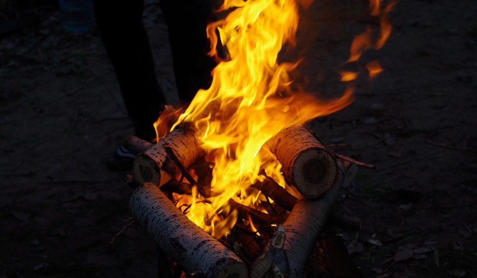 В Дрогичинском районе 8-летний мальчик получил ожоги лица и рук при разведении костра