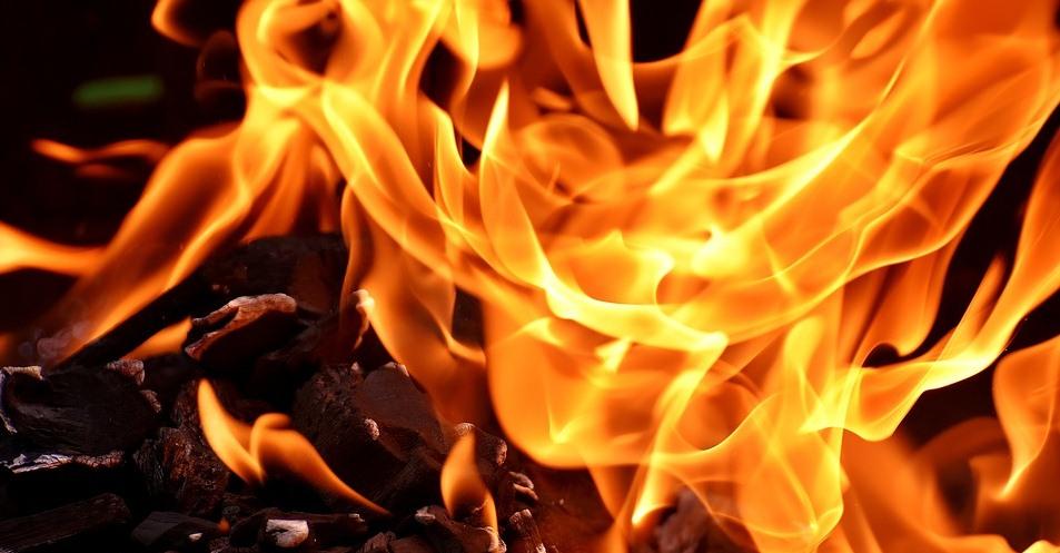 В Щучине из-за пожара из поликлиники эвакуировали более 100 человек