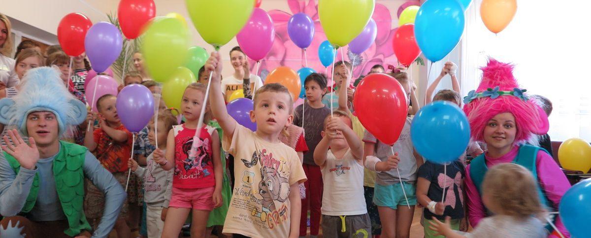 Красный Крест устроил праздник для пациентов Барановичской детской больницы