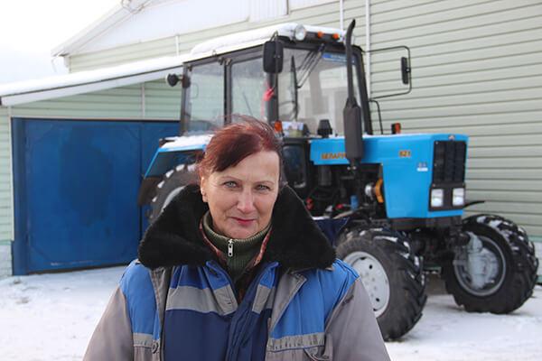 Женщину — лучшего механизатора уволили и забрали трактор «от президента», который подарили на «Дажынках»