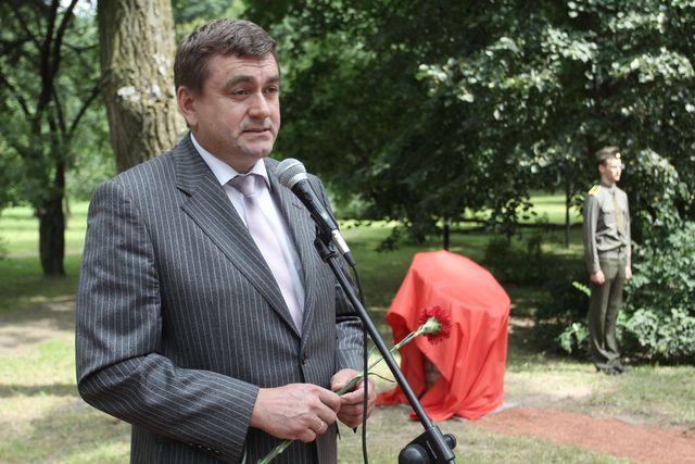 Задержанный за коррупцию экс-глава Ленинского района Минска вышел на свободу