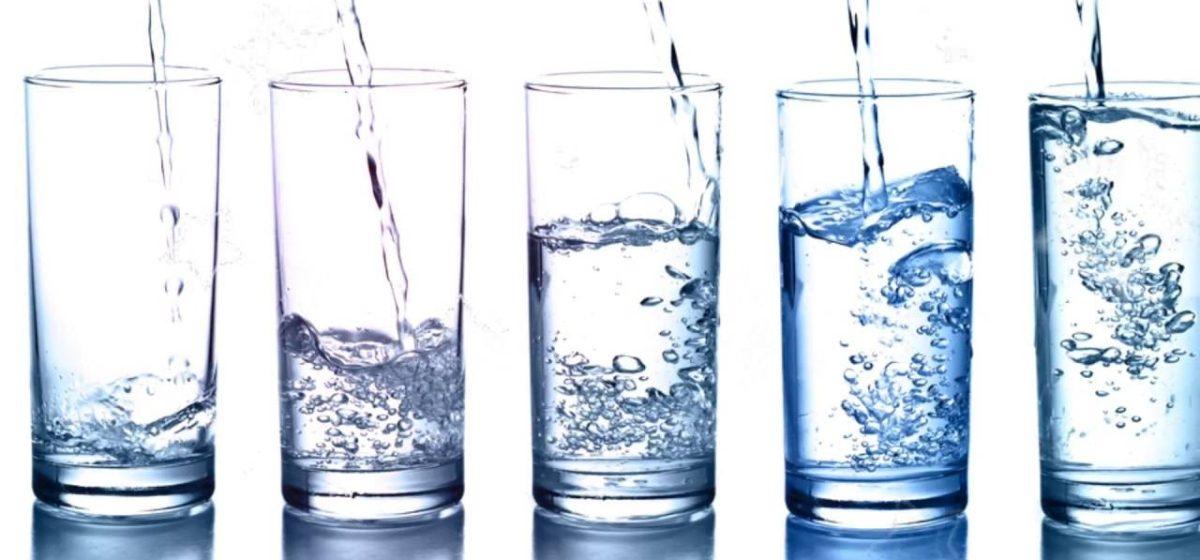Восемь признаков того, что вам нужно чаще пить воду