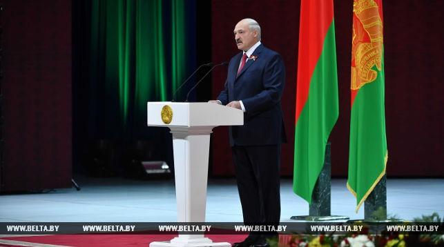 Лукашенко: Предстоит много сделать для защиты информационного поля Беларуси