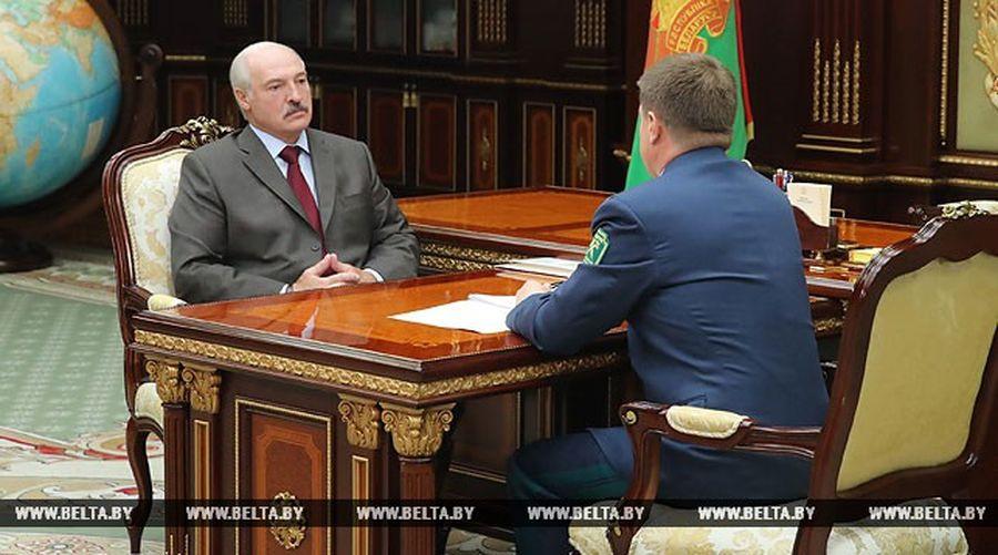 Лукашенко: Всеми делами, связанными с «санкционкой», заправляют крупные российские фирмы, за которыми стоят дельцы с тяжелыми погонами