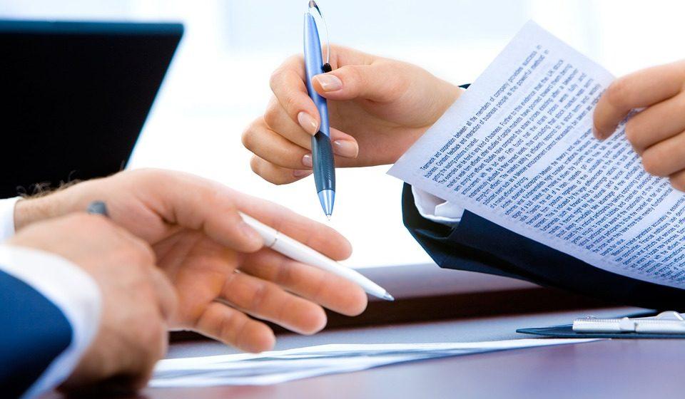 Профсоюзы предлагают обязать нанимателей выплачивать компенсацию по истечении контракта