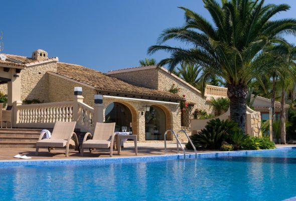 Почему среди французов, да и не только, популярна недвижимость в Испании