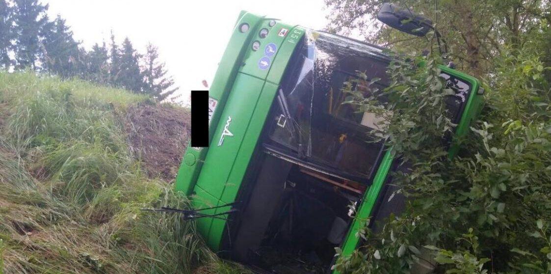 В Минском районе перевернулся пассажирский автобус МАЗ, пострадали 10 человек (фото)